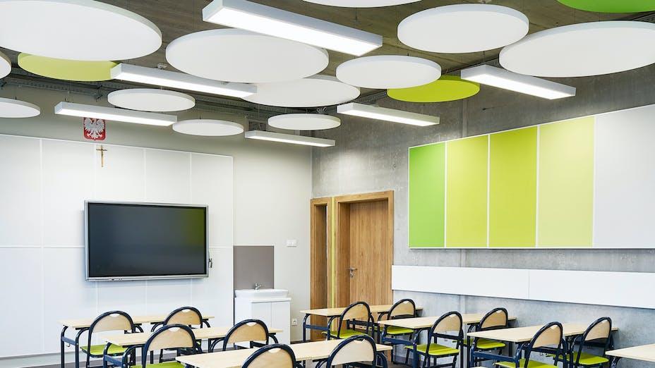 PL, Poznan, Marcin Sakson, Front Architects, Education, Rockfon Eclipse, Rockfon Samson, Circle, 600x600 white, green