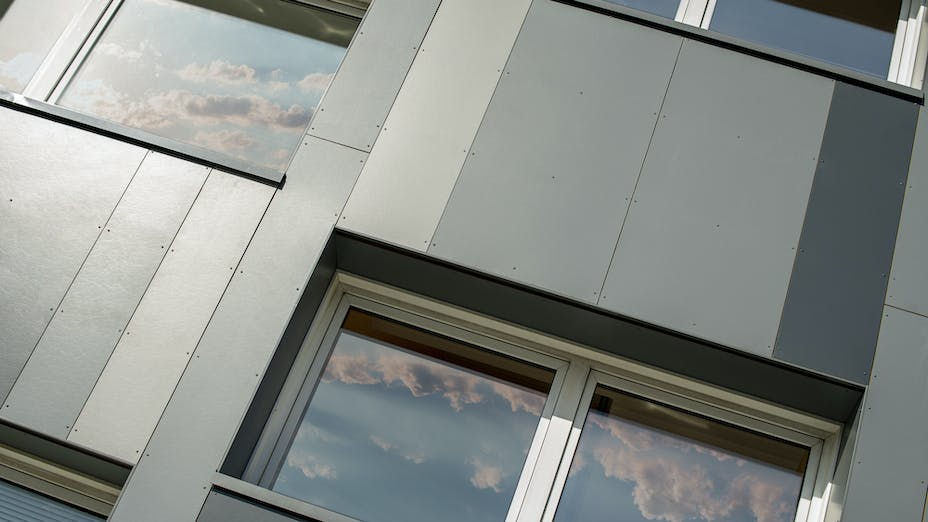 Case study Denmark Gyvelvej Rockpanel Colours 8 mm RAL7016, RAL7012 and RAL7037