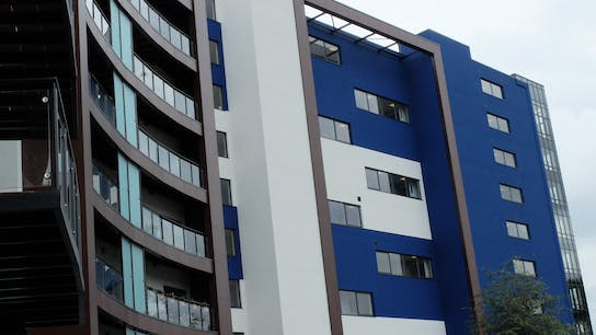 Extra Care Elsdon in Elsdon (United Kingdom) with Rockpanel Colours and Rockpanel Woods FS-Xtra facade cladding