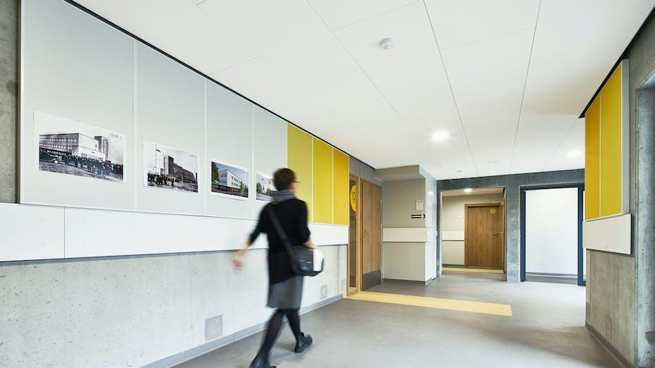 PL, Poznan, Marcin Sakson, Front Architects, Education, Rockfon Blanka, Rockfon Samson, A-edge, 1200x600 white, yellow