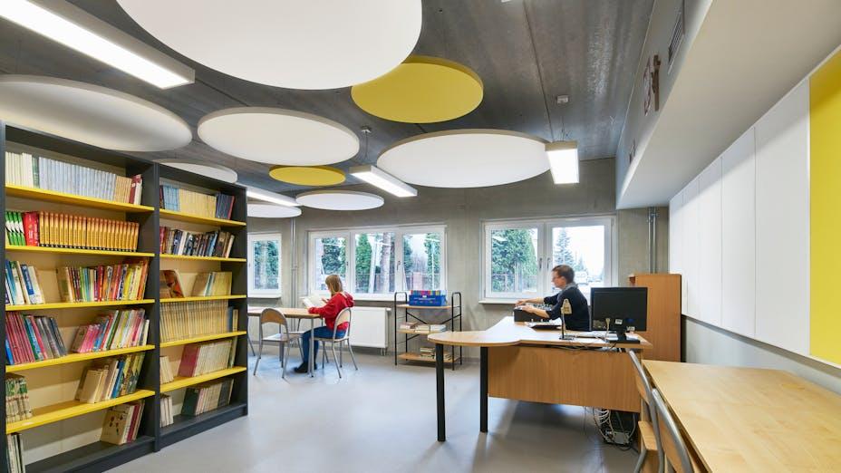 PL, Poznan, Marcin Sakson, Front Architects, Education, Rockfon Eclipse, Rockfon Samson, Circle, 600x600 white, yellow