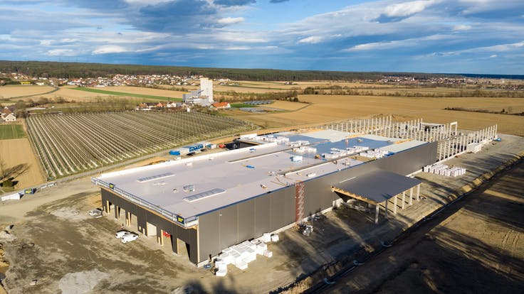 reference, egger glas, production hall, flat roof, noise insulation, gersdorf, austria