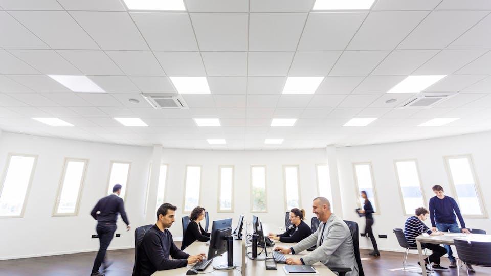 Acoustic ceiling solution: Rockfon Blanka®, 600 x 600