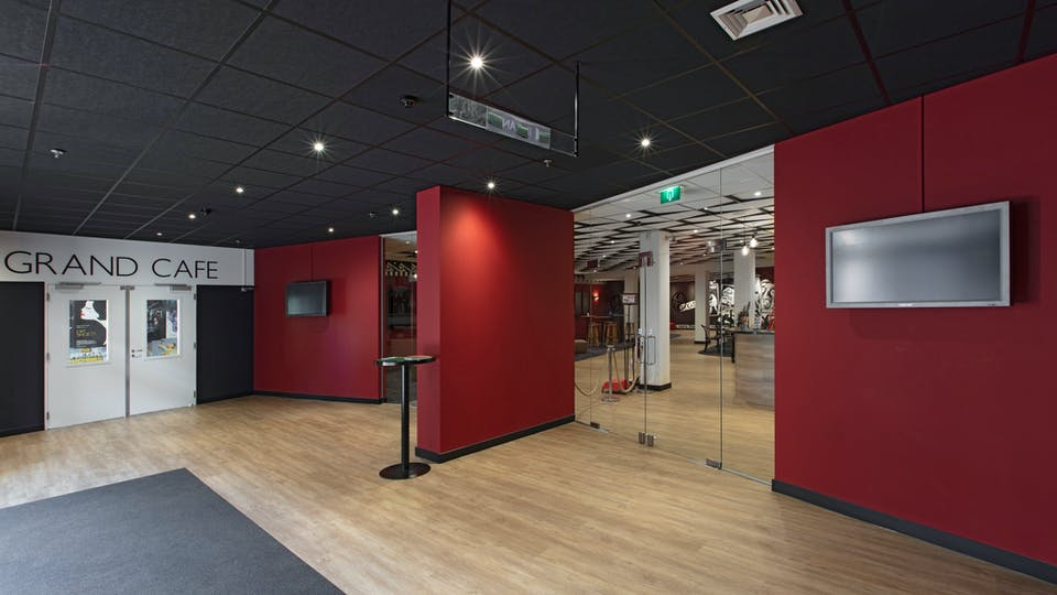 Acoustic ceiling solution: Rockfon Color-all®, A, 600 x 600