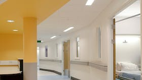 Acoustic ceiling in hospital with Rockfon MediCare Plus ceiling tiles (Healthcare)